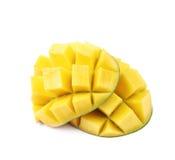 Отрезанный и отрезанный изолированный плодоовощ манго Стоковая Фотография