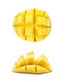 Отрезанный и отрезанный изолированный плодоовощ манго Стоковые Фото