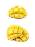 Отрезанный и отрезанный изолированный плодоовощ манго Стоковое Фото