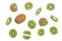 Отрезанный плодоовощ кивиа на белой предпосылке Плоская картина положения Взгляд сверху Стоковые Изображения RF