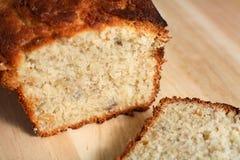 отрезанный хлеб банана выпечки Стоковые Фотографии RF