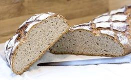 Отрезанный хлеб fresch традиционный французский стоковая фотография rf