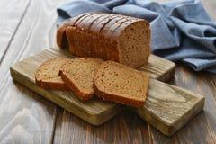 Отрезанный хлеб рож Стоковые Фото