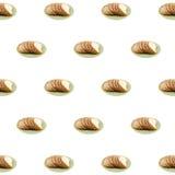 Отрезанный хлеб сезама на белой предпосылке стоковое изображение rf