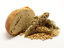 Отрезанный хлеб с зерном стоковые фото