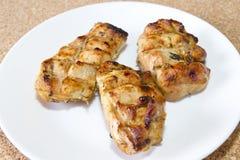 Отрезанный цыпленок †‹вЂ зажженный ‹ Стоковые Фотографии RF