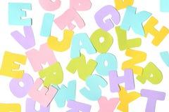 Отрезок бумаги алфавита Scatter стоковые фотографии rf