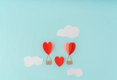 Отрезок бумаги воздушных шаров сердца горячих для celebrat дня валентинки Стоковые Изображения RF