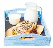 Отрезок и молоко крена Стоковые Фото