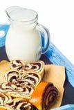 Отрезок и молоко крена Стоковая Фотография