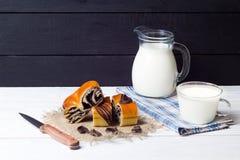 Отрезок и молоко крена Стоковая Фотография RF