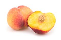 Отрезок персиков половинный Стоковая Фотография RF