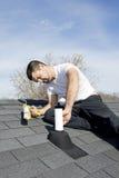 отремонтируйте крышу стоковое фото