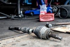 Отремонтируйте соединение CV вала привода, обслуживание автомобиля Стоковые Фотографии RF