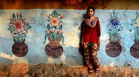 Отроческая индийская девушка иллюстрация штока