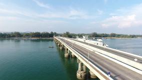 Отснятый видеоматериал антенны моста Saphan Sarasin HD slowmotion phuket Таиланд акции видеоматериалы