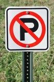 отсутствие знака стоянкы автомобилей Стоковое фото RF