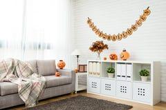 Отсутствие комнаты украшения хеллоуина людей живущей Стоковое Изображение