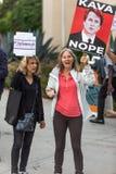 Отсутствие протеста Kavanaugh в Санта-Моника, Калифорнии стоковые изображения