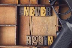 Отсутствие снова деревянные письма в деревянной коробке letterpress стоковые фотографии rf