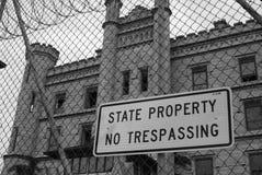 Отсутствие trespassing на закрытой бывшей государственной тюрьме Joliet Стоковая Фотография