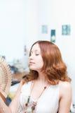 отсутствующая девушка вентилятора стороны щетки Стоковая Фотография RF