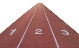 Отслеживайте номер на ход стадиона атлетики изолированный на белизне стоковое изображение