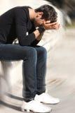 Отчаянный и унылый подросток проблем мальчика Стоковое фото RF