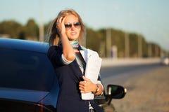 отчеты о коммерсантки финансовохозяйственные молодые Стоковые Фото
