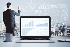 Отчет и концепция успеха стоковое изображение