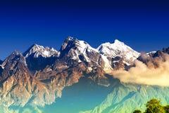 От левой стороны - установите южное Kabru, установите северное Kabru и установите Talung - Сикким, Индия Стоковая Фотография