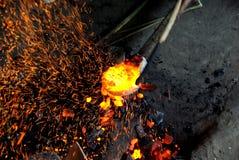 Отливка шпаги бронзового века Стоковые Фотографии RF