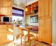 Отличная идея для дизайна угла комнаты кухни Стоковые Фотографии RF