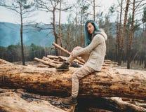 отдыхать девушки пущи Стоковое Изображение