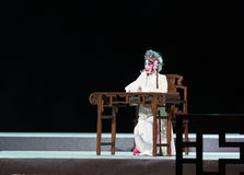 """Отдыхать на павильоне пиона таблицы---мечты opera""""four Цзянси  linchuan†Стоковая Фотография"""