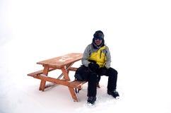 Отдыхая человек на горе Стоковое фото RF