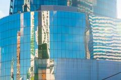 Офисное здание с стеклянными стенами Стоковая Фотография RF