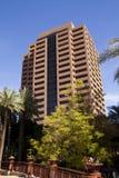 Самомоднейшее городское корпоративное офисное здание Стоковые Фото