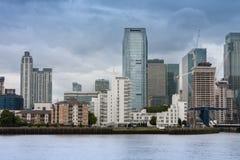 Офисные здания в канереечном причале в Лондоне Стоковое Изображение RF