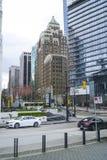 Офисные здания на портовом районе Ванкувера - ВАНКУВЕРЕ - КАНАДЕ - 12-ое апреля 2017 Стоковая Фотография RF