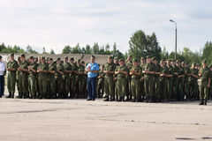 Офицеры и солдаты зааплодировали на дне открытых дверей на авиапорте m Стоковые Фотографии RF
