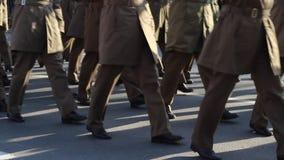 Офицеры март сток-видео