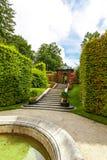 Официально сад с прудом и газебо Стоковые Фото