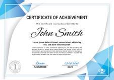Официальный белый сертификат с голубыми элементами дизайна треугольника, крона Дизайн дела чистый современный Стоковое Фото