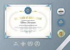 Официальный белый сертификат с голубым треугольником, орнаментальными элементами дизайна Дизайн дела чистый Шаблон вектора с комп Стоковые Фото