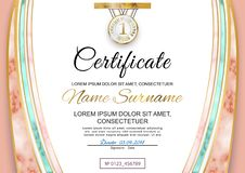 Официальный розовый мраморный сертификат Мраморные элементы сетки с золотом стоковое изображение