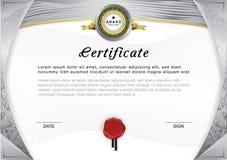 Официальный сертификат Серые граница и эмблема градиента, серый цвет и золото конструируют элементы на белой предпосылке Стоковые Фотографии RF