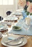 Официально сервировка стола обедающего дома Стоковые Изображения RF