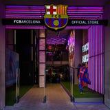 Официальный магазин клуба Барселоны футбола стоковое фото rf