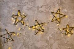 Оформление в форме звезд украшенных с гирляндой Стоковое Изображение RF